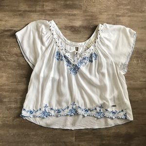 Abercrombie XS White Cropped Embroidered Blouse